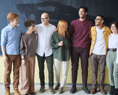 What benefits improve employee retention?